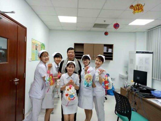 Nhân viên y tế chống dịch thu nhập vài triệu đồng một tháng Xu Hướng Đồng Phục - Hotline 0909124112 FB IMG 1510766195536