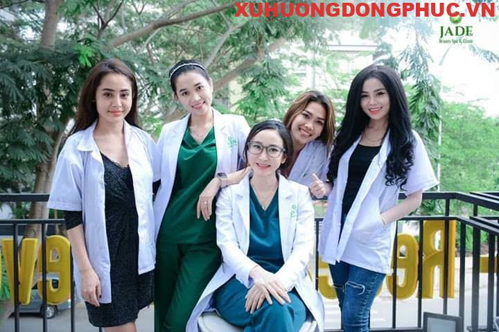 Cách chọn mua scrubs áo blouse bác sĩ y tá đúng chuẩn bệnh viện Xu Hướng Đồng Phục - Hotline 0909124112 FB IMG 1551490666610 1